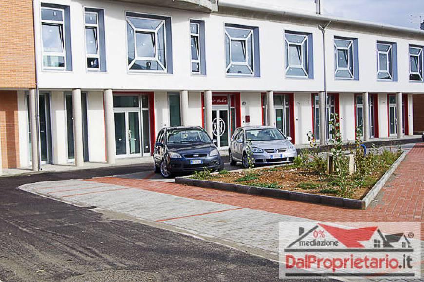 Ufficio Nuovo Xl : Ufficio in vendita bientina 1081